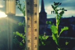 Termometr powietrza – jaki wybrać i dlaczego warto mierzyć temperaturę?