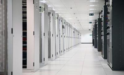 Messung von Temperatur und Luftfeuchtigkeit in einem Serverraum